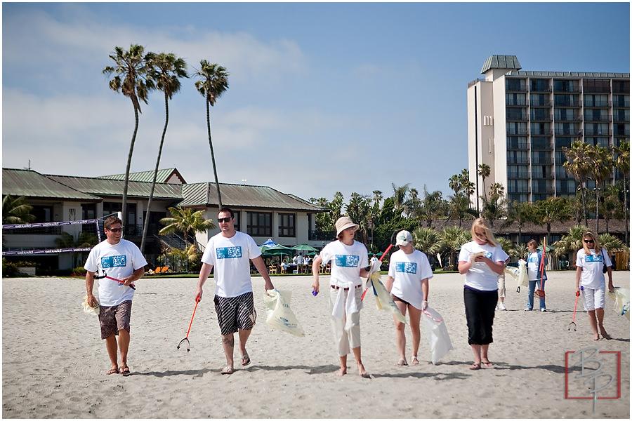 volunteer beach clean up