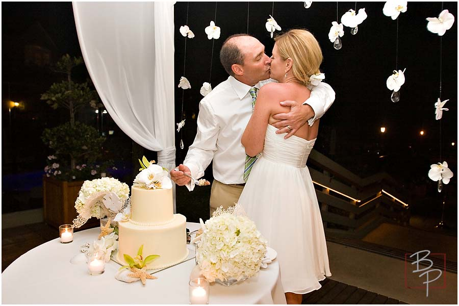 kissing and the cake