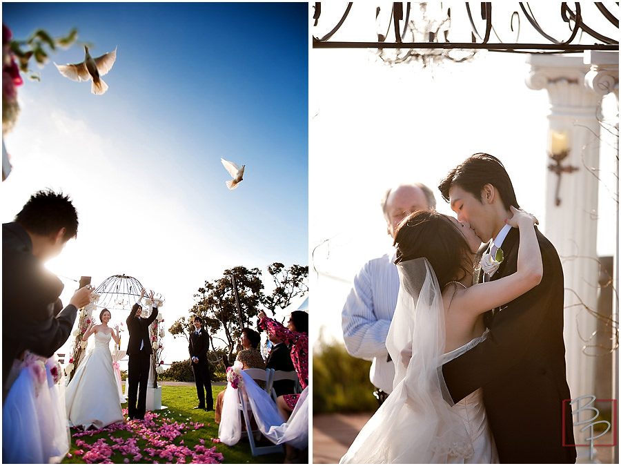 La Valencia Hotel wedding ceremony photography