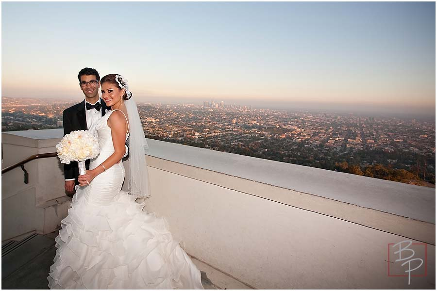 The bride and groom, overlook of Los Angeles