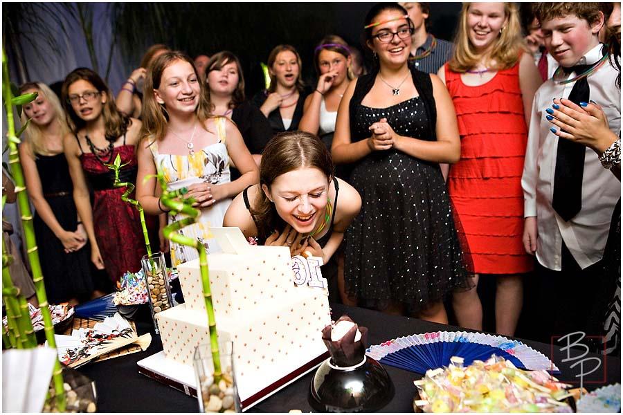 Cake Cutting Photography