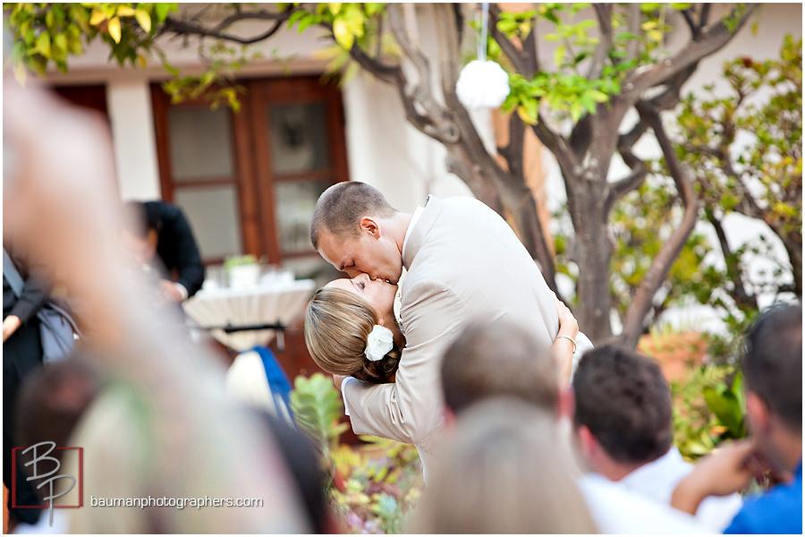 Rancho Bernardo Courtyard kiss